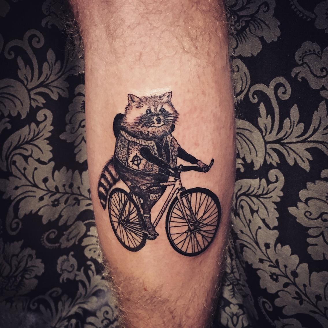 geometria, tatuajegeometrico, madridtattoo, tattooshopmadrid, geometrictattoo, lineamuyfina, tatuajelineafina, finelinetattoo, fineline, hiperfineline, mejorestatuajesmadrid, lineafinamadrid, blackworkmadrid, anarquistasmadrid