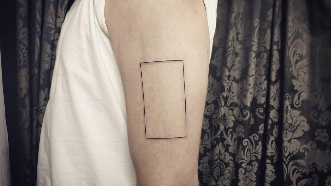 geometria, tatuajegeometrico, madridtattoo, tattooshopmadrid, geometrictattoo, lineamuyfina, tatuajelineafina, finelinetattoo, fineline, hiperfineline, mejorestatuajesmadrid, lineafinamadrid