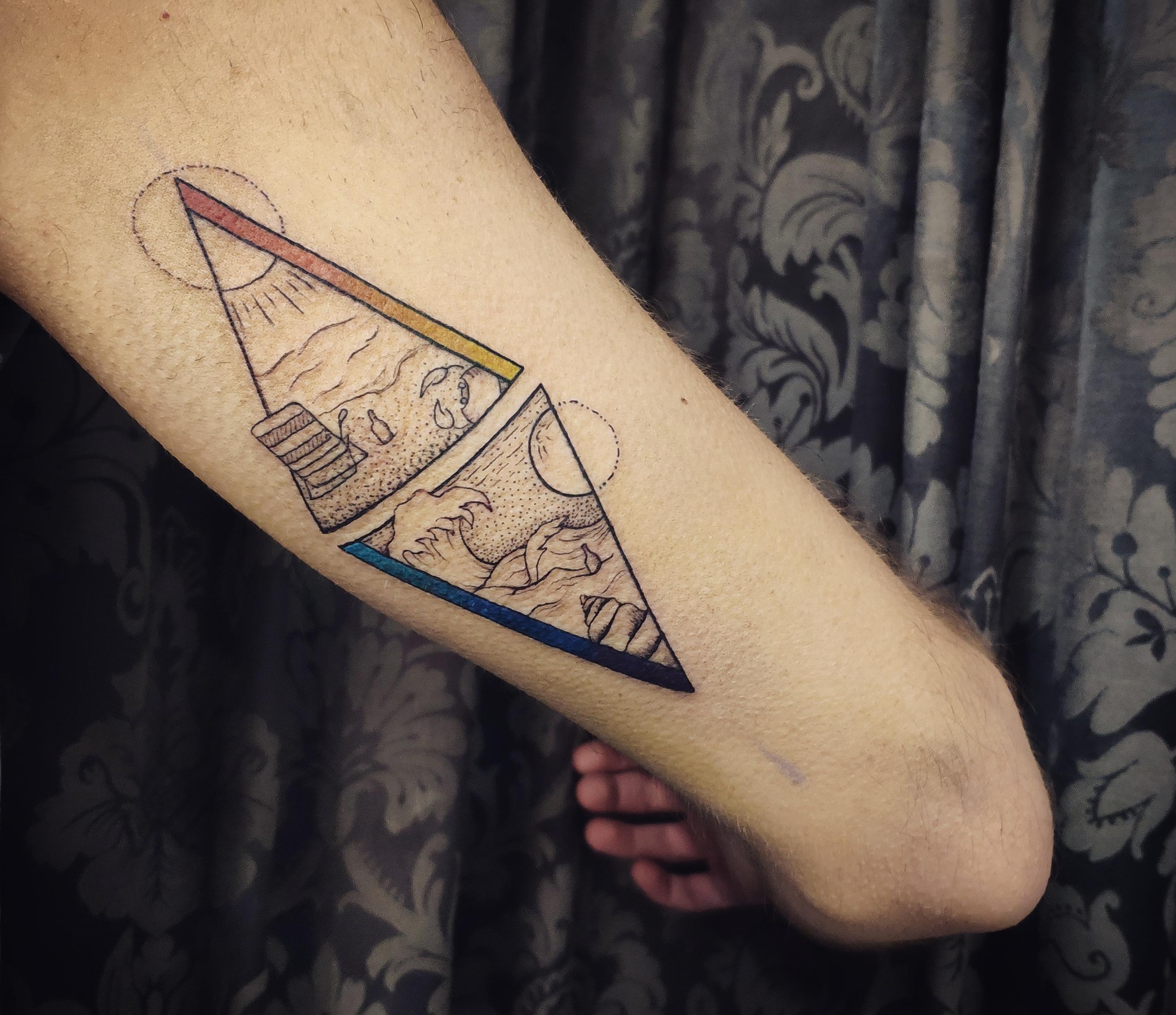 geometria, tatuajegeometrico, madridtattoo, tattooshopmadrid, geometrictattoo, lineamuyfina, tatuajelineafina, finelinetattoo, fineline, hiperfineline, mejorestatuajesmadrid, lineafinamadrid, puntillismomadrid